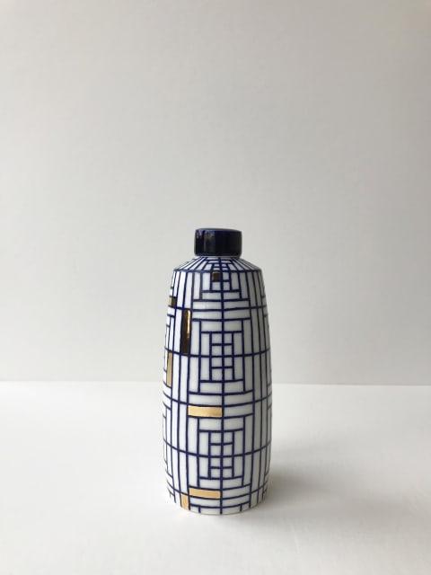 Rhian Malin, Chinese Straight Sided Ginger Jar with 24k Gold Lustre, Medium