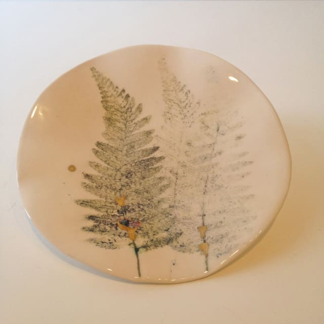 3 Ferns Plate, Medium
