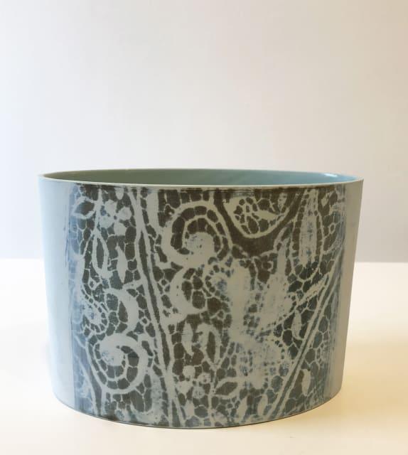 Lace, oval vessel