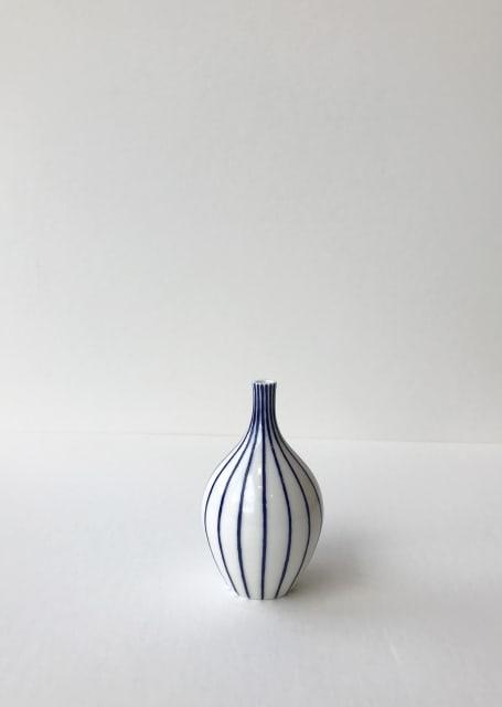 Rhian Malin, Linear Bottle, Small