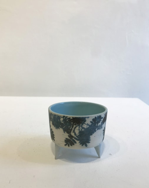 Skyleaves - Small Vessel with feet, 2018