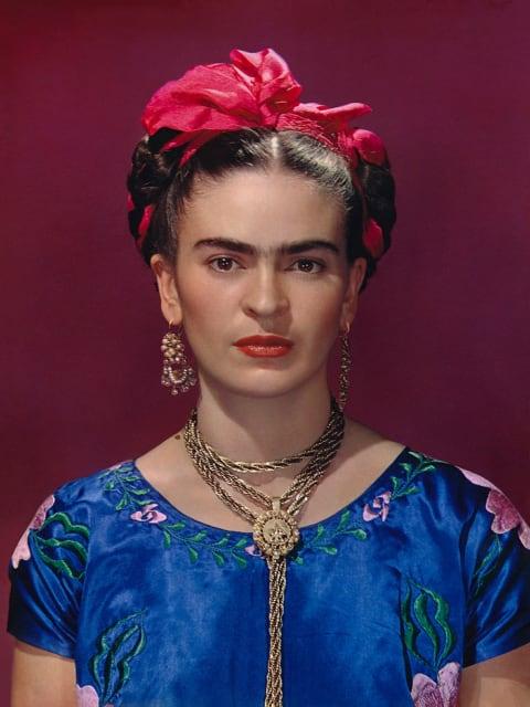 Frida Kahlo: Making Herself Up, 16 June - 14 November 2018. Sponsored by Grosvenor Britain & Ireland. Frida Kahlo in blue satin blouse, 1939, photograph by Nickolas Muray © Nickolas Muray Photo Archives