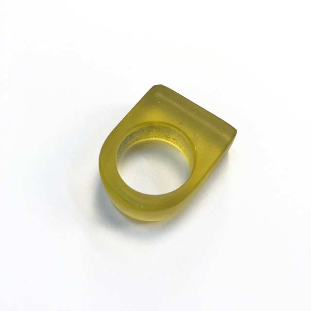Yellow Minimal Ring