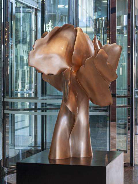 Helaine Blumenfeld Tree of Life: Encounter, 2018 Bronze, edition of 3 Sculpture: 100cm h x 80 x 65 Base: black bronze, 80cmx 65x 65 Weight: 300kg total
