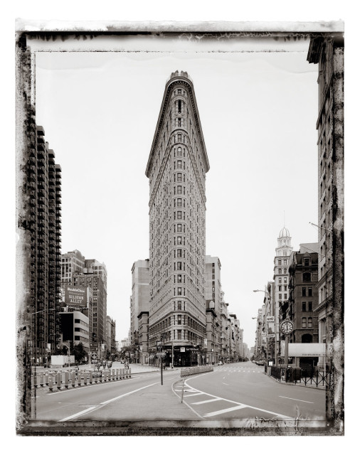 Christopher Thomas Flat Iron, 2001 Pigment print on Aquarelle Arches paper 76 x 56 cm Edition of 25 135 x 103 cm Edition of 7 From the series: New York Sleeps Signed, titled, dated and numbered in pencil with copyright credit limitation stamp and edition stamp on the verso. Signed and numbered in pencil on the recto.