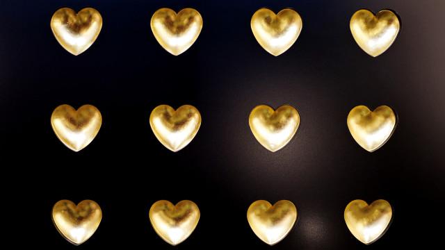 16 Gold Hearts (UNIQUE)