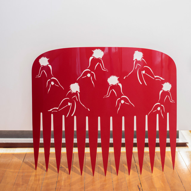 Lonnie Hutchinson, Comb (red), 2009