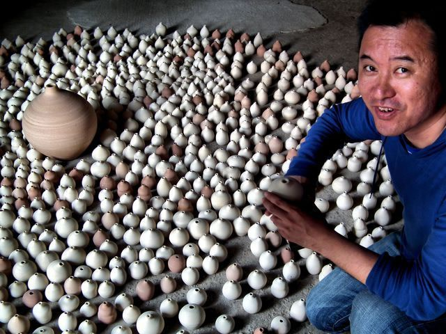 Yang Maoyuan with his installation for the pavilion of the P.R. of China, at the Venice Biennale 2011, ABC-ARTE