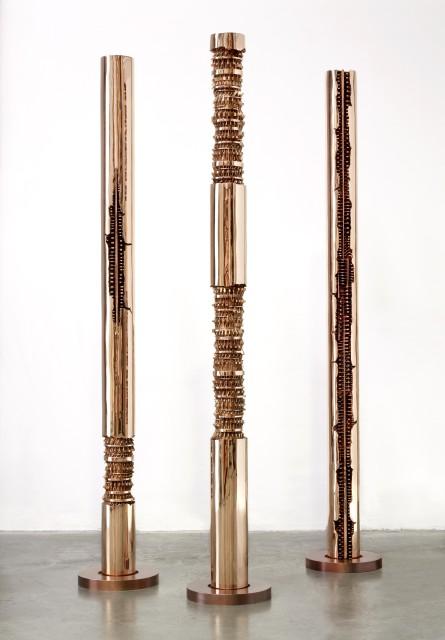 Torre a spirale, IV, 1999 bronze, 105 × ø 30 cm (Photo Giorgio Boschetti)