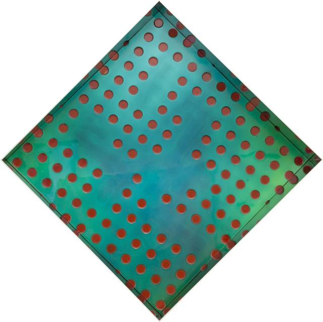Matteo Negri, Kamigami, 2016, tecnica mista su legno, acciaio cromato e verniciato, 93 x 93 x 20 cm