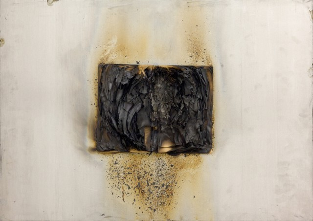Bernard Aubertin Livre brulé, 1974
