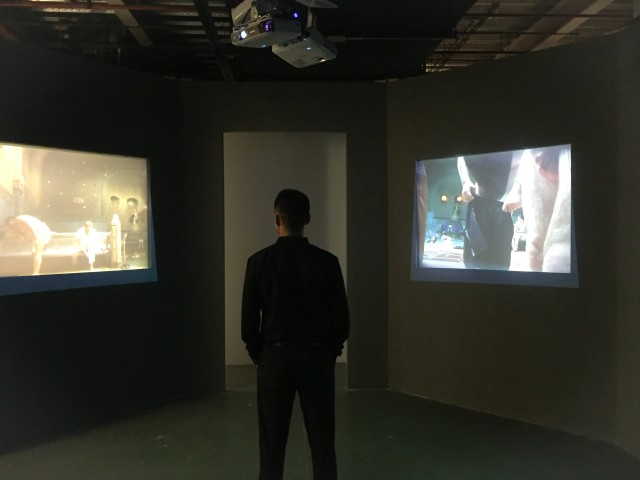 """Men's Bathhouse, five-channel video installation (colour), synchronized loop, 4:3 PAL, 8'29"""" (four-channel in an octagon), Changing Room (one-channel), 3'41''(audio), 1999.《男澡堂》,五频道(彩色)录像装置,同步循环播放,4:3 PAL制式,8'29''(八边形空间中,四个频道播放),单频道录像《更衣室》,3'41''(录音),1999。"""