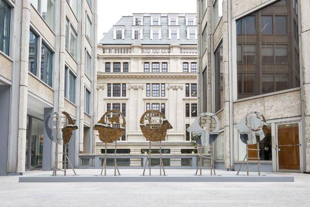 Olaf Breuning | Public Installation