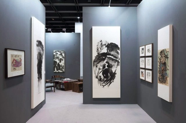 Li Jin's artworks, installation view, 2016, Hong Kong Convention and Exhibition Centre 李津作品,空间照,2016年,香港会议展览中心