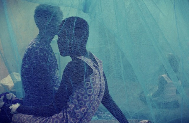 亚历克·冯·巴根 Alec Von Bargen,Under the blue skies of Agok #2,在Agok的蓝天下 #2 38 cm x 55 cm,2018