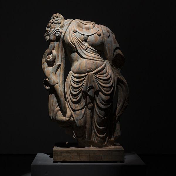 Dai Yun, Buddha Holding Lotus, Red Bricks, Concrete, Concrete Iron, Angle Iron, 67 x 135 x 195 cm, 2011