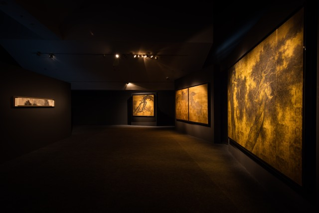 FANTASIES ON PAPER AND ENCHANTMENTS IN GOLD - SOLO EXHIBITION OF LI HUAYI