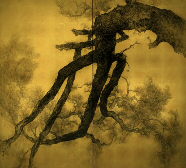Longevity, 2016 Two-fold screen, ink on paper with gold foil 157 x 173.5 cm Signed in Chinese: Li Huayi (lower left)