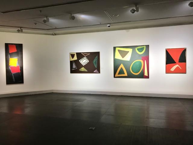 歌之舞之——约翰·麦克林的抽象绘画 Like Singing and Dancing: John McLean's Abstract Painting, 1969- 广东美术馆,2017 Guangdong Museum of Art, 2017