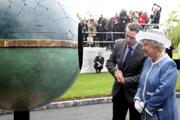 Queen Elizabeth Unveils Anthony Scott Sculpture