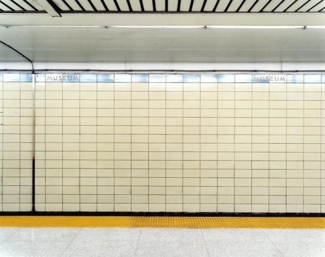 Untitled [Museum subway platform w/ image], 2004/2006 © Vid Ingelevics