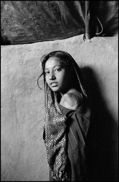 Juma Gul, Charahi Qambar Refugee Camp, Kabul, Afghanistan, 2011 © Larry Towell / Magnum Photos