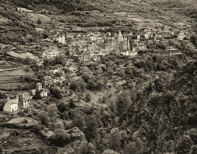 Robert Bourdeau Midi-Pyrénées, France, 1991 Signed, dated, and editioned, in ink, au recto Signed, titled, dated, and editioned, in ink, au verso Neg. No. 91-810-23 Printed in 2011 Pigment print on archival paper 17 ¾ x 23 inch (45.72 x 58.42 cm) image 20 x 24 inch (50.80 x 60.96 cm) paper