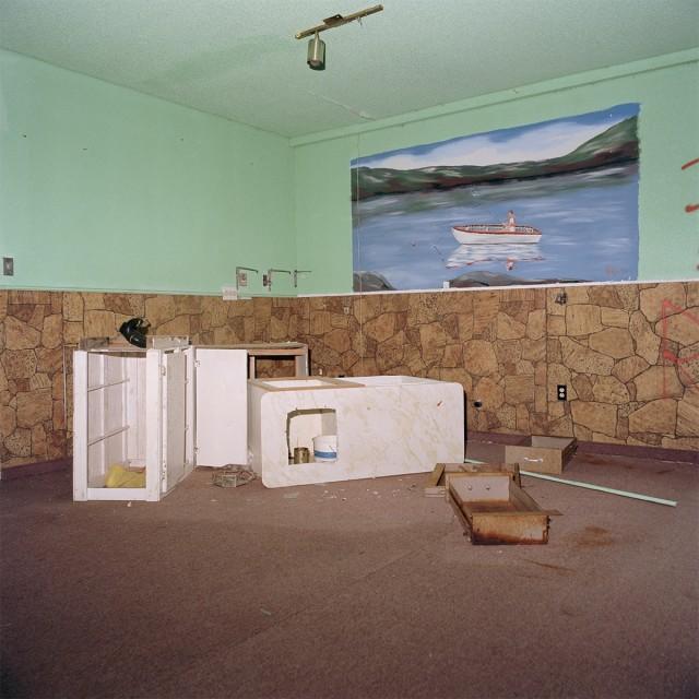 Abandoned Room, 2017 © Ethan Murphy / courtesy of Artist