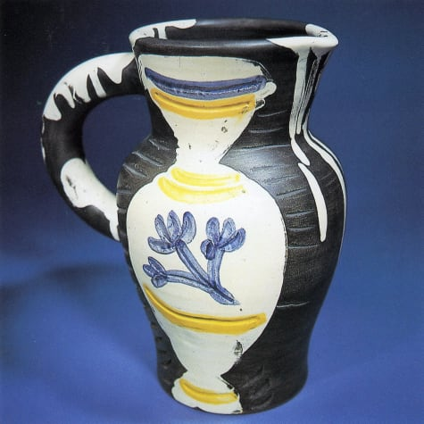 AR 226 - Pitcher with vase
