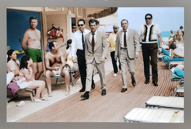 Terry O'Neill, Frank Sinatra, Miami Boardwalk, 1968 - LIGHT BOX