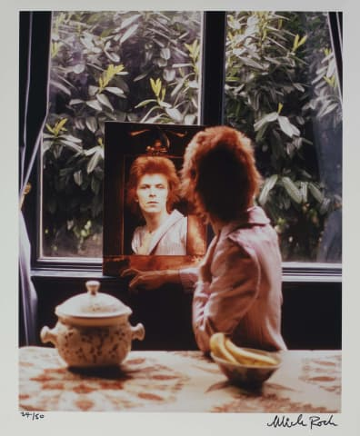 Mick Rock, Bowie in Mirror, UK , 1972