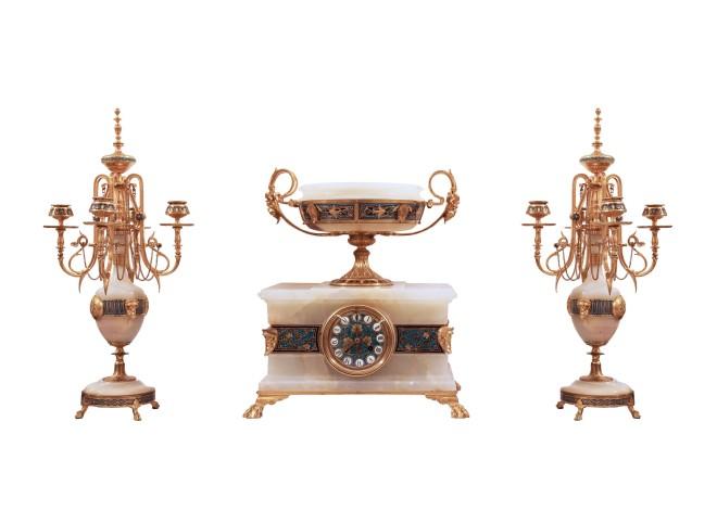 Gilt bronze clock garniture