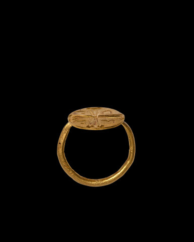 Byzantine finger ring with cross, c.6th-7th century AD