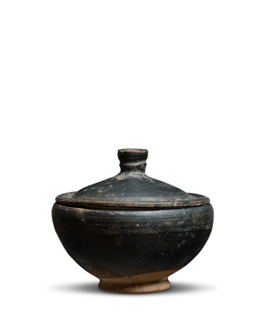 Greek black-glaze pyxis, Athens, 4th-3rd century BC