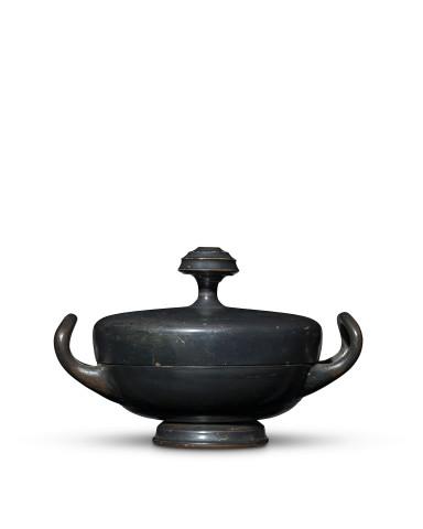 Greek black-glaze lykinic lekanis, Athens, 375-350 BC