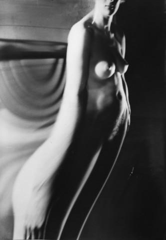 André Kertész, Distortion #155, 1932-1933