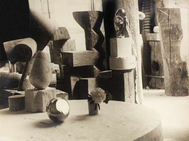 Constantin Brancusi, View of the Studio: Mlle Pogany 11, c. 1923