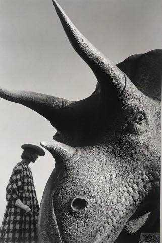 Jeanloup Sieff, Ina Balke, coat Monte-Sano & Pruzan, World's Fair, New York, Harper's Bazaar, 1964