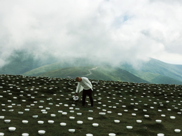 ZHANG Yu 张羽, Water Feeding 2016 - Cuiyan Peak, Wutai Mountain 上水2016 - 五台山翠岩峰, 2016
