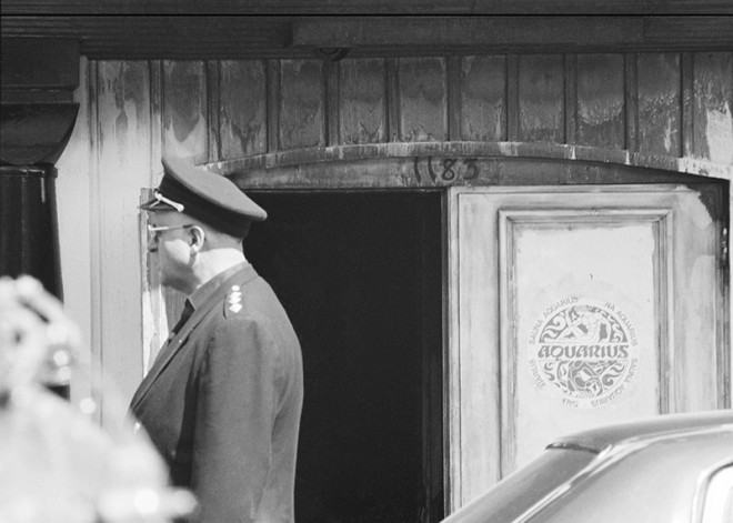 Sunil Gupta, Fire at Aquarius – gay bathhouse, Crescent Street, 1975
