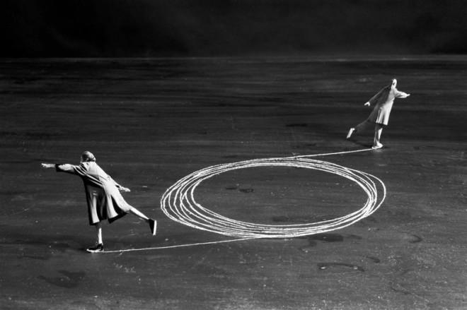 Gilbert Garcin, La mécanique des couples - The couple mechanism, 2002