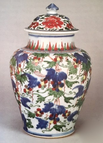 A WUCAI JAR AND COVER, Transitional