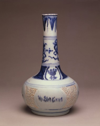 A BLUE AND WHITE BOTTLE VASE, Transitional c. 1620-1640