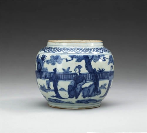 AN UNUSUAL CHINESE BLUE AND WHITE MING JAR, 17th Century