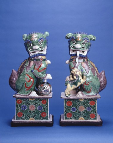 A FINE PAIR OF LARGE BUDDHIST LIONS, Kangxi (1662 - 1722)