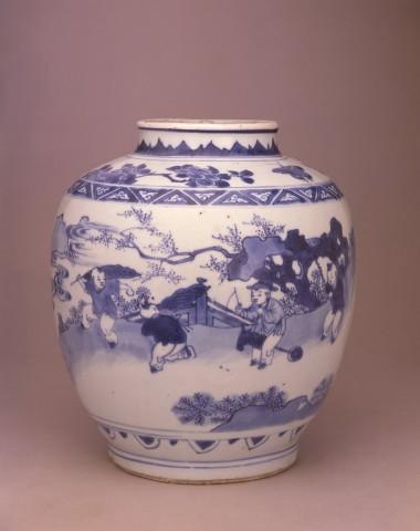 A LATE MING OVIFORM JAR, Circa 1640 - 1650
