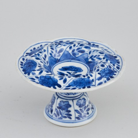 A CHINESE BLUE AND WHITE SPIRAL FORM SALT , Kangxi (1662 - 1722)