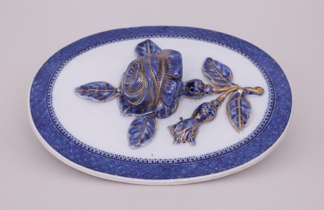 A CHINESE BLUE AND WHITE EXPORT 'MARIEBERG' PUDDING FORM, Qianlong (1736-1795)