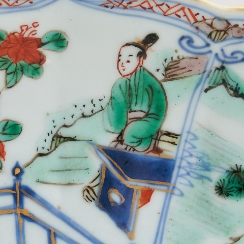 A PAIR OF CHINESE FAMILLE VERTE PLATES, Kangxi (1662 - 1722)