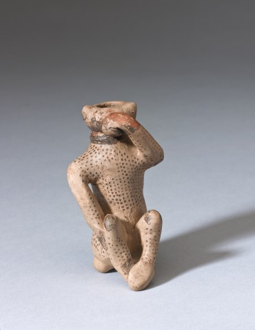 Etrusco-Corinthian monkey aryballos, 7th-early 6th century BC